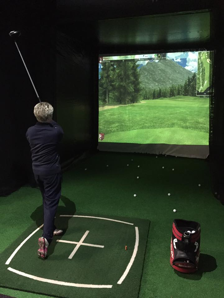 studio-golf-lesson.jpg